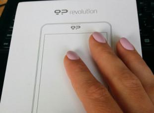 geeksphone-revolution-hands-on